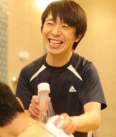 【入浴介助】ご利用者さんよりもスタッフの方が幸せそうな顔していますね。